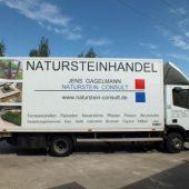 Naturstein Consult bietet ein umfangreiches Sortiment – Pflaster, Bodenplatten, Mauersteine, Fliesen, Wasserbausteine